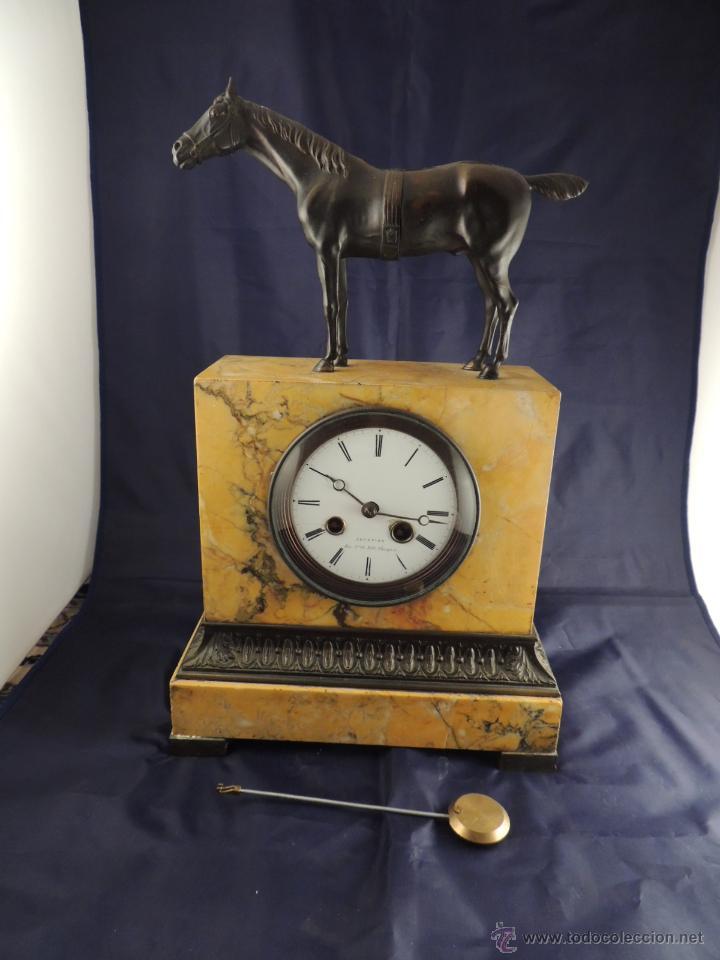 Relojes de carga manual: PRECIOSO RELOJ DE MARMOL SIENA CON BRONCE DE CABALLO EPOCA IMPERIO - Foto 9 - 54066246
