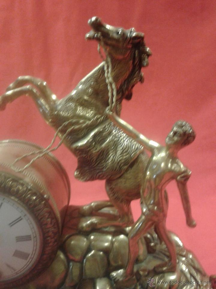 Relojes de carga manual: Reloj alemán de bronce con peana de mármol y carga manual - Foto 4 - 54325619