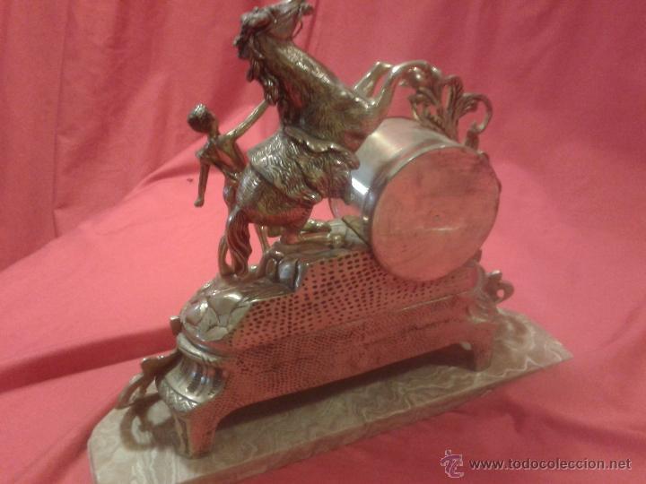Relojes de carga manual: Reloj alemán de bronce con peana de mármol y carga manual - Foto 8 - 54325619