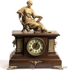 Relojes de carga manual: RELOJ-ANTIGUO-CALAMINA-MADERA. Lote 54721829
