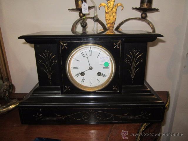 Relojes de carga manual: Reloj de marmol negro con decoracion flores máquina paris llave original da las horas y las medias . - Foto 3 - 46918232