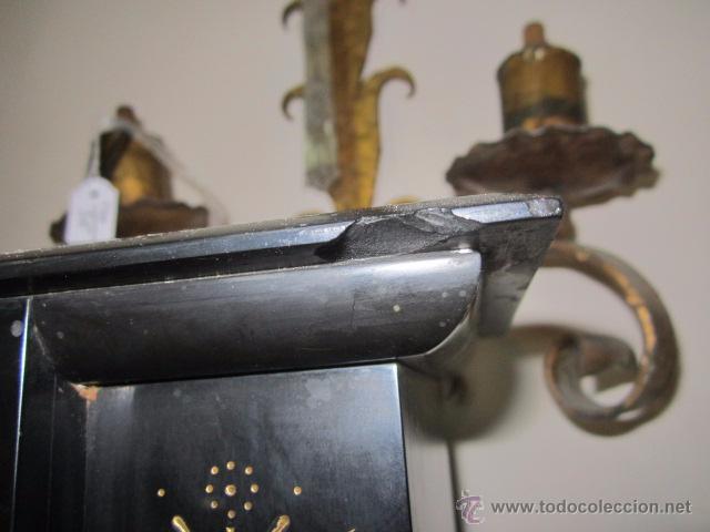Relojes de carga manual: Reloj de marmol negro con decoracion flores máquina paris llave original da las horas y las medias . - Foto 10 - 46918232