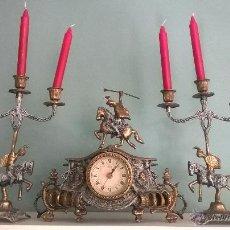 Relojes de carga manual: JUEGO DE CANDELABROS Y RELOJ. Lote 54782832