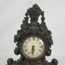 Relojes de carga manual: RELOJ DE SOBREMESA. HIERRO COLADO. ESTILO LUIS XIV. ESFERA ESMALTADA. SIGLO XIX.. Lote 52504496