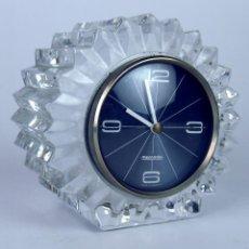 Relojes de carga manual: RELOJ DE SOBREMESA. MARCA MERCEDES. CRISTAL TALLADO. METAL. ALEMANIA. CIRCA 1960.. Lote 48809071