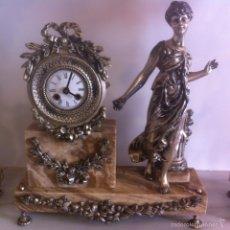 Relojes de carga manual: RELOJ Y CANDELABROS. Lote 54927606
