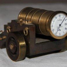 Relojes de carga manual: RELOJ DE SOBREMESA EN FORMA DE CAÑON. Lote 55139683