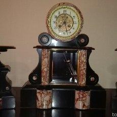 Relojes de carga manual: RELOJ NAPOLEON III DE MARMOL ROSADO DE NOTARIO CON GUARNICION Y PENDULO DE MERCURIO.. Lote 159069893