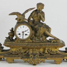 Relojes de carga manual: RELOJ DE SOBREMESA. METAL DORADO. NAPOLEON III. FRANCIA. SIGLO XIX.. Lote 55920203
