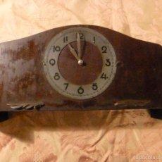 Relojes de carga manual: RELOJ DE MADERA. Lote 56227334