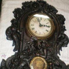 Relojes de carga manual: ANTIGUO RELOJ DE SOBREMESA DE CALAMINA. Lote 29337537
