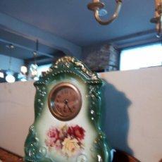 Relojes de carga manual: ANTIGUO RELOJ DE PORCELANA. Lote 56696079