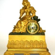 Relojes de carga manual: RELOJ DE CHIMENEA. BRONCE DORADO. CON SONERIA. ESTILO NAPOLEON III. FRANCIA.XIX. Lote 128185027