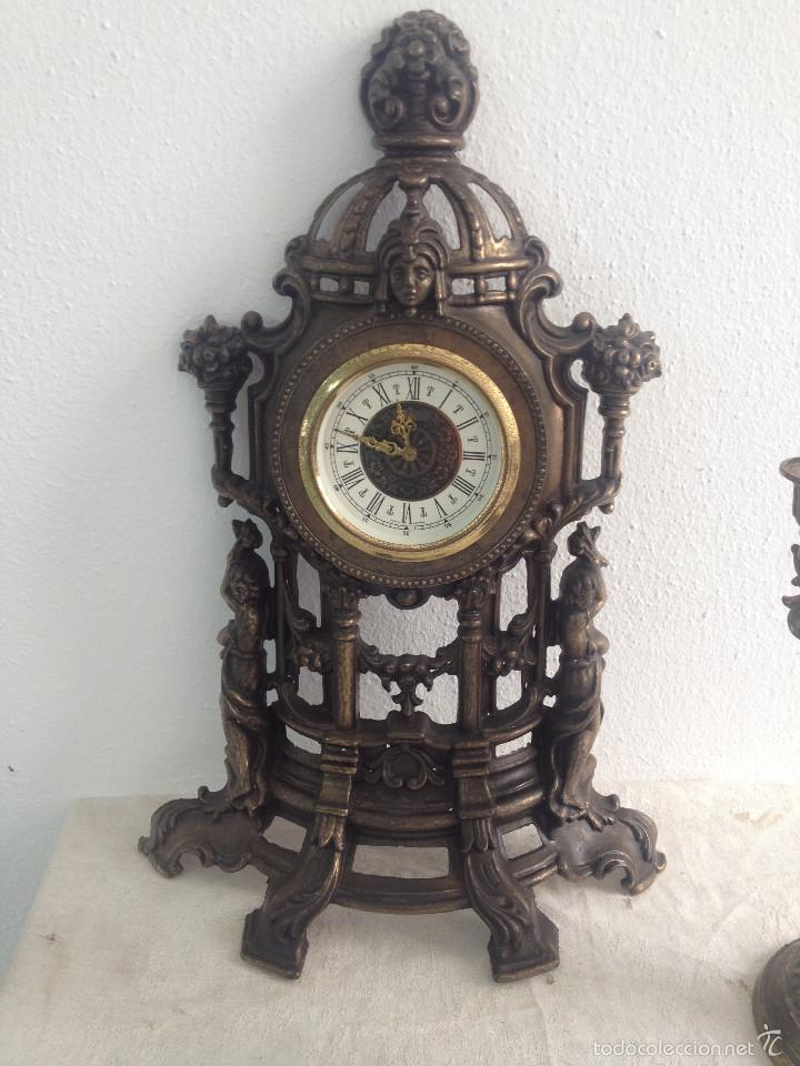 Relojes de carga manual: RELOJ Y DOS CANDELABROS - Foto 3 - 56871078