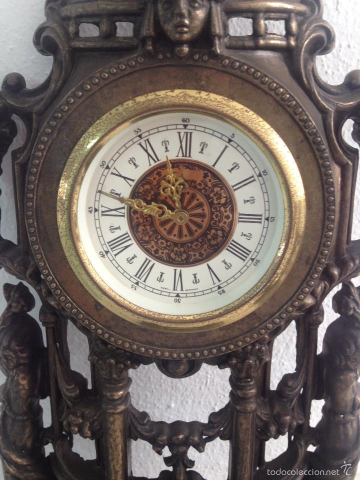 Relojes de carga manual: RELOJ Y DOS CANDELABROS - Foto 6 - 56871078