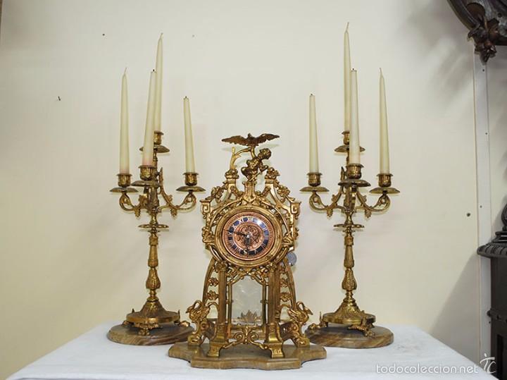 Relojes de carga manual: RELOJ ANTIGUO DE BRONCE Y CANDELABROS - Foto 3 - 57115434