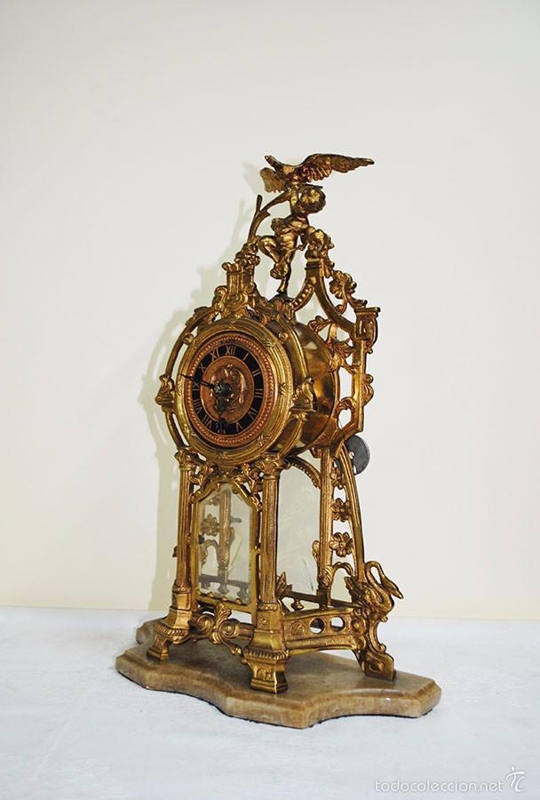 Relojes de carga manual: RELOJ ANTIGUO DE BRONCE Y CANDELABROS - Foto 10 - 57115434