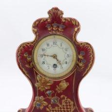 Relojes de carga manual: RELOJ DE SOBREMESA EN PORCELANA POLICROMADA FINAL SIGLO XIX. Lote 57264812