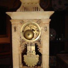 Relojes de carga manual: RELOJ DE PÓRTICO DE ALABASTRO. Lote 70419097