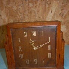 Relojes de carga manual: ANTIGUO RELOJ ART DECÓ EN MADERA DE LA FIRMA SMITHS HACIA 1920. Lote 57771837