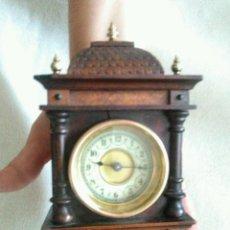 Relojes de carga manual: ANTIGUO RELOJ SOBREMESA DE PEQUEÑO TAMAÑO UN CLASICO RELOJ CAPILLA AMERICANO ES MUY RARO 250,00. Lote 57815203
