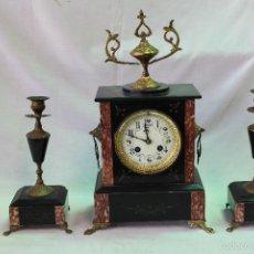 Relojes de carga manual: RELOJ DE SOBREMESA CON GUARNICION EN BRONCE Y MARMOL. Lote 57896623