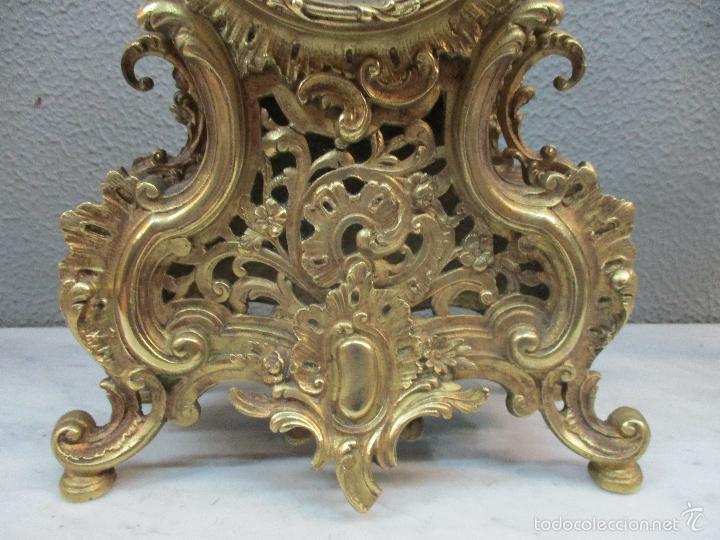 Relojes de carga manual: Antiguo Reloj - con Guarnición - Candelabros a Juego - Bronce - Completo - Finales S. XIX - Foto 4 - 58061208