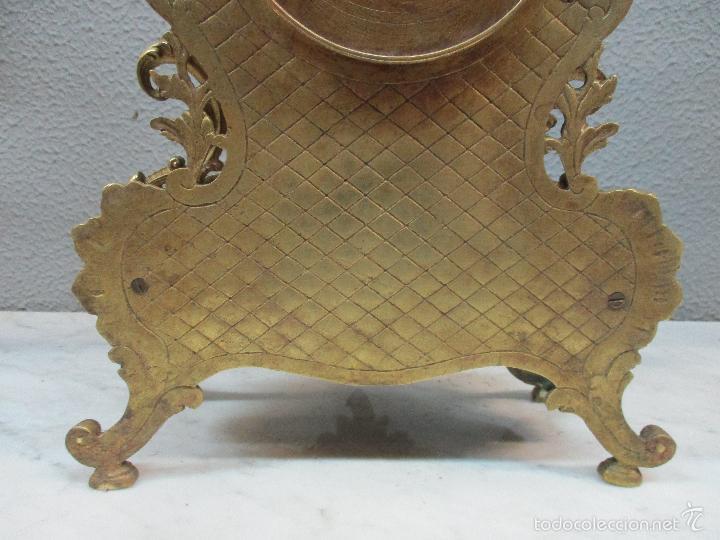 Relojes de carga manual: Antiguo Reloj - con Guarnición - Candelabros a Juego - Bronce - Completo - Finales S. XIX - Foto 15 - 58061208
