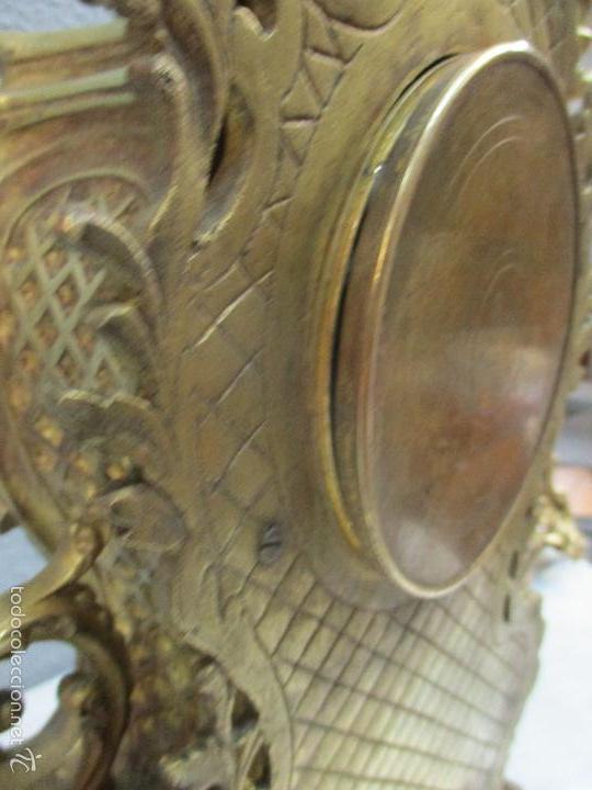 Relojes de carga manual: Antiguo Reloj - con Guarnición - Candelabros a Juego - Bronce - Completo - Finales S. XIX - Foto 16 - 58061208