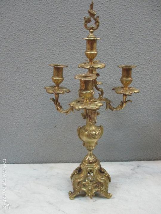 Relojes de carga manual: Antiguo Reloj - con Guarnición - Candelabros a Juego - Bronce - Completo - Finales S. XIX - Foto 32 - 58061208