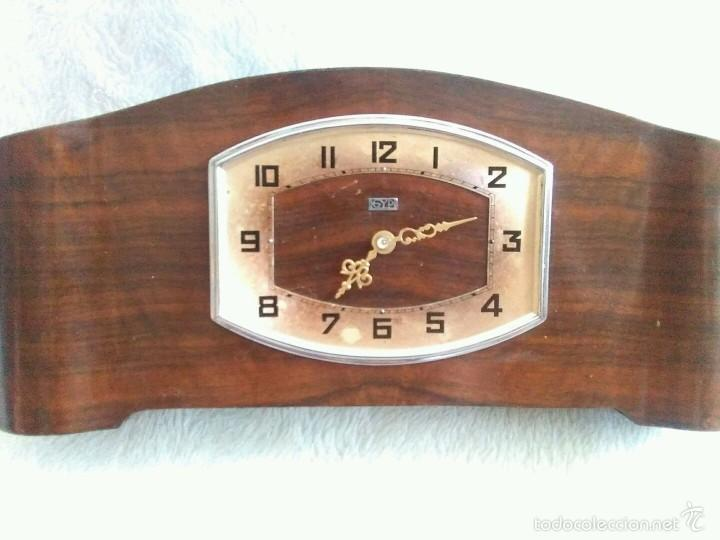 ANTIGUO RELOJ DESPERTADOR. FUNCIONA (Relojes - Sobremesa Carga Manual)