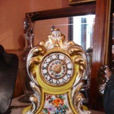 Relojes de carga manual: ANTIGUO RELOJ DE PORCELANA ISABELINO FUNCIONANDO .. Lote 60339807