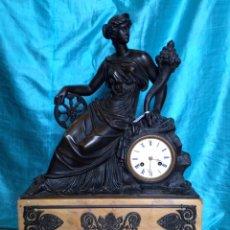 Relojes de carga manual: RELOJ DE BRONCE SIGO XIX, SOBREMESA DE LA ÉPOCA IMPERIO. Lote 60576814