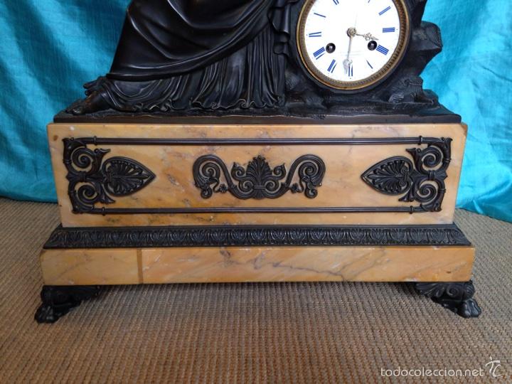 Relojes de carga manual: Reloj de bronce sigo XIX, sobremesa de la época imperio - Foto 4 - 60576814