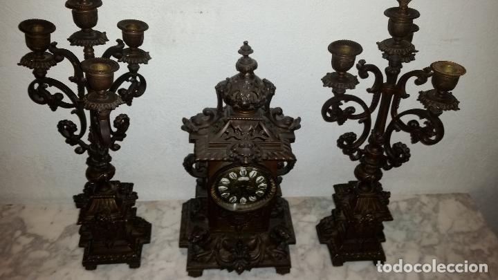 Relojes de carga manual: ANTIGUO RELOJ DE BRONCE CON CANDELABROS - Foto 15 - 51187239