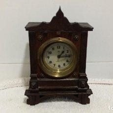Relojes de carga manual: RELOJ DE MADERA. Lote 62166588