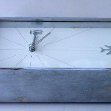 Relojes de carga manual: SPACE AGE-RELOJ ELECTRICO DE ESCRITORIO PUBLICIDAD IBERIA 1970. Lote 62167904