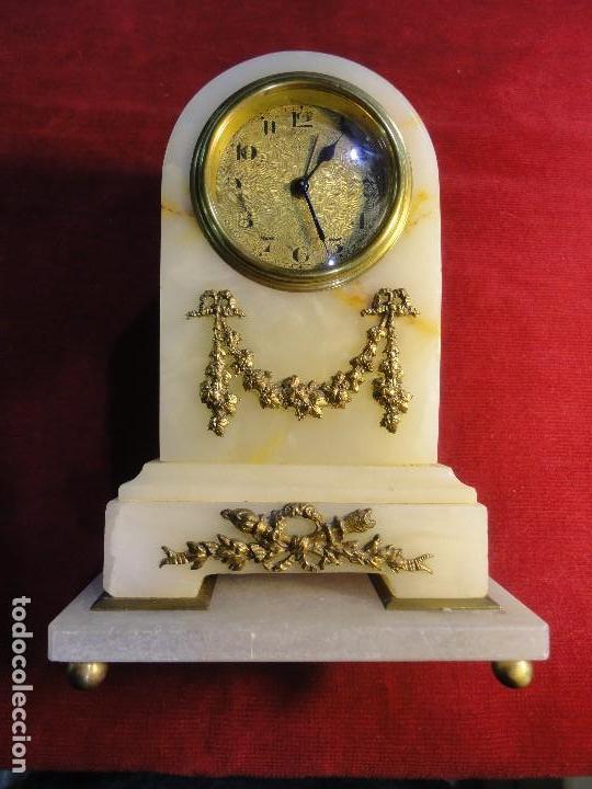 RELOJ DE ALABASTRO (Relojes - Sobremesa Carga Manual)