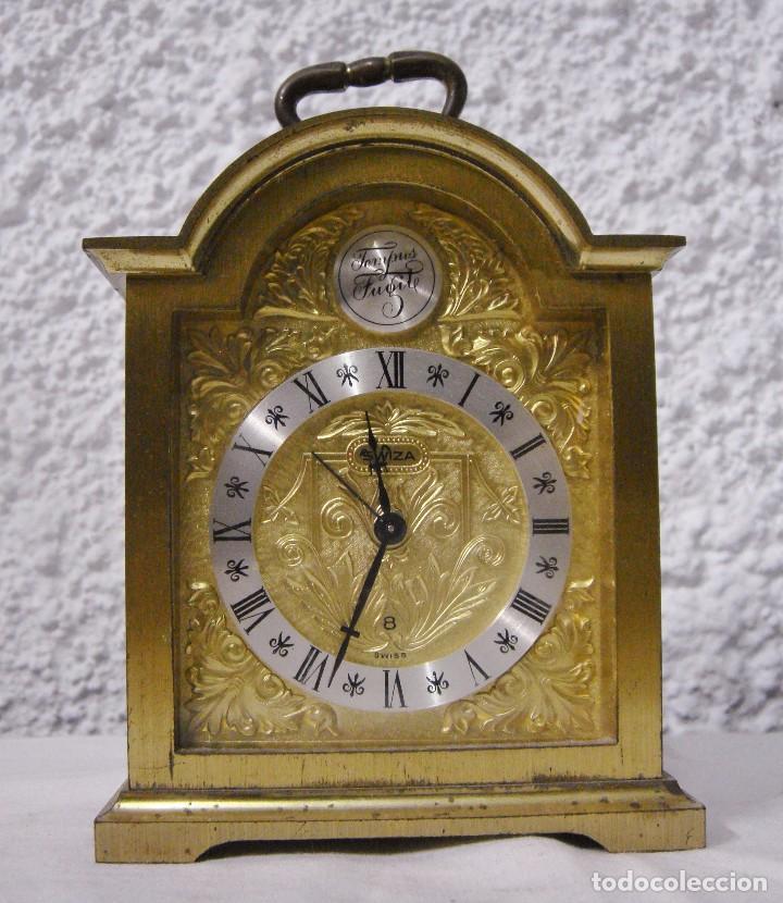 Relojes de carga manual: Reloj Despertador de Sobremesa. Dorado. Tempus Fugit. - Foto 2 - 64314047