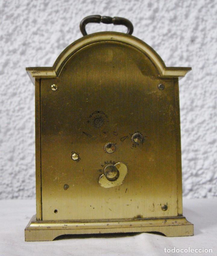 Relojes de carga manual: Reloj Despertador de Sobremesa. Dorado. Tempus Fugit. - Foto 5 - 64314047
