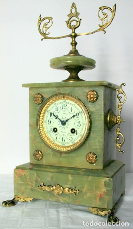 Relojes de carga manual: Antiguo reloj francés con candelabros de onix. - Foto 7 - 69696545