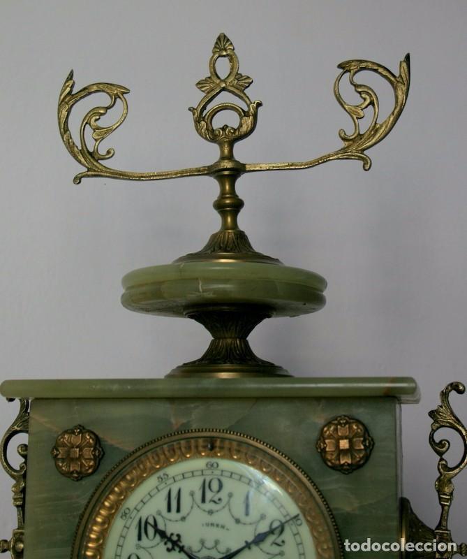 Relojes de carga manual: Antiguo reloj francés con candelabros de onix. - Foto 8 - 69696545