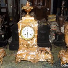 Relojes de carga manual: PRECIOSO RELOJ CON GUARNICION, SIGLO XIX, FUNCIONA, MARMOL Y BRONCE. Lote 70940741