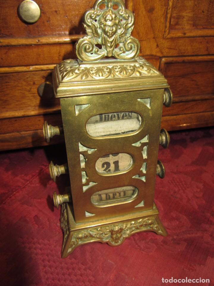 Relojes de carga manual: Antiguo Calendario Perpetuo de Sobremesa para Despacho - Foto 2 - 72042123