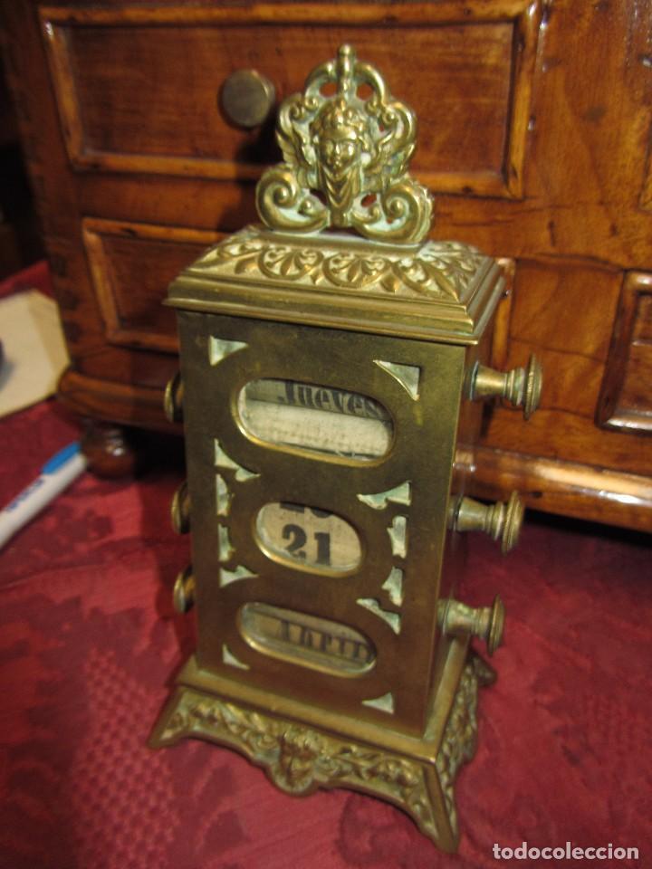 Relojes de carga manual: Antiguo Calendario Perpetuo de Sobremesa para Despacho - Foto 3 - 72042123