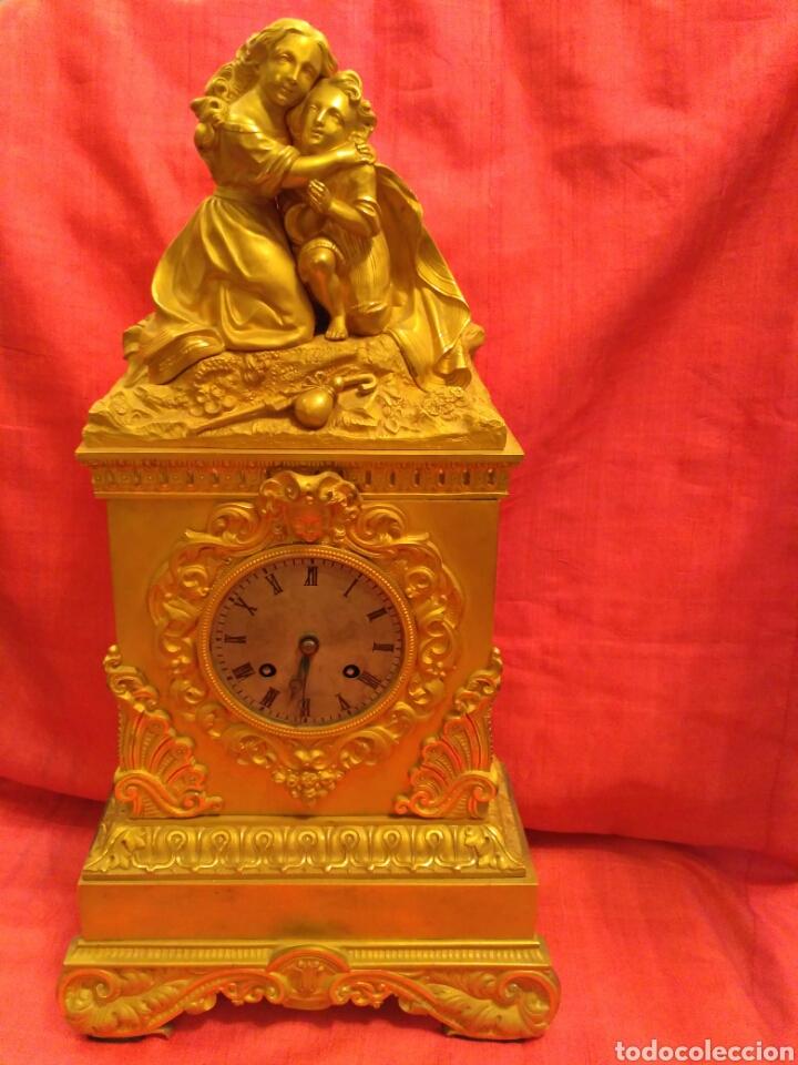 RELOJ DE SOBREMESA DORADO DEL SIGLO XIX (Relojes - Sobremesa Carga Manual)