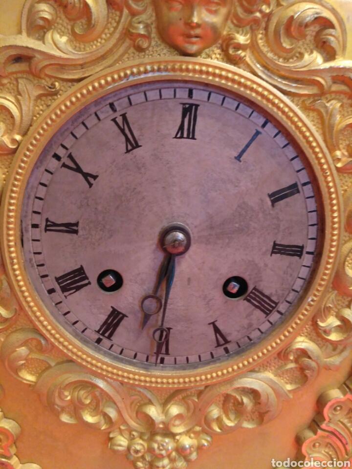 Relojes de carga manual: Reloj de sobremesa dorado del siglo XIX - Foto 3 - 72192047