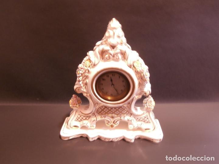 RELOJ DE LOZA (Relojes - Sobremesa Carga Manual)