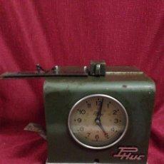 Relojes de carga manual: ANTIGUO RELOJ PARA FICHAR PICAR MARCA PHUC AÑOS 60. Lote 169729985