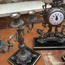 Relojes de carga manual: RELOJ Y DOS CANDELABROS. Lote 74876721